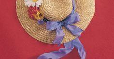Como fazer um mini chapéu de primavera usando bolas de isopor. Chapéus em miniatura feitos de isopor podem dar um toque interessante para trabalhos de artesanato primaveris ou de páscoa. O isopor é leve, o que faz esses chapéus perfeitos para guirlandas e enfeites de parede. Quando usados como imã de geladeira, também adicionam um toque de primavera à cozinha. Simples o suficiente para serem feitas até por ...