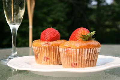 Strawberry Cupcakes with Champagne Glaze: Picture Perfect Cupcakes - from Cupcake Project
