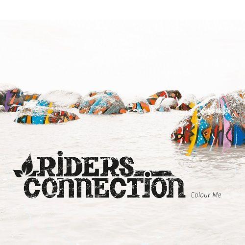 """http://polyprisma.de/wp-content/uploads/2015/10/Riders_Connection_Colour_Me.jpg Rider's Connection - Colour Me http://polyprisma.de/2015/riders-connection-colour-me/ Wechselhaft ist das treffendste Wort, wenn ich meine Beziehung zum Album """"Colour Me"""" von Rider's Connection beschreiben soll. Mein Wissen um Reggae erschöpft sich ungefähr bei der Tatsache, dass Bob Marley der maßgeblich prägende Musiker dieser Richtung war. Danach wird es dün..."""