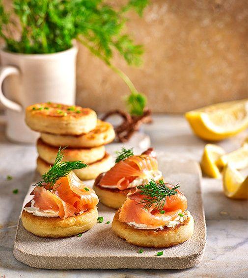 Закуска из картофеля и копченого лосося