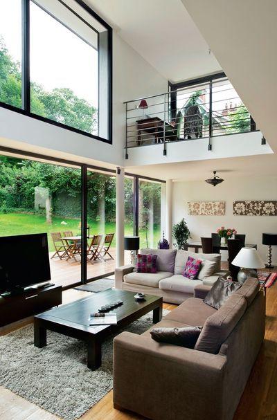 Une maison exemplaire... Construite en 2009, elle mettait déjà en pratique la plupart des nouvelles exigences réglementaires avec, comme résultat, un confort thermique remarquable et un coût d'usage réduit.