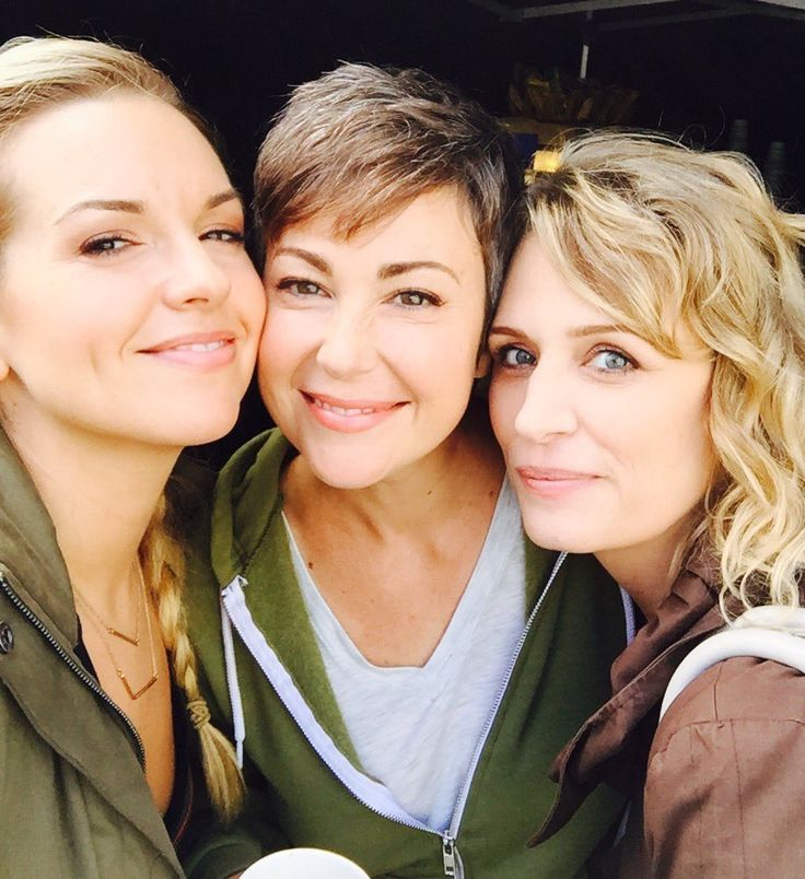 Supernatural: Brianna Buckmaster, Kim Rhodes, and Samantha Smith