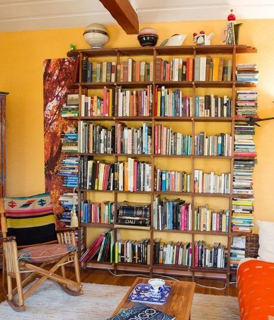 Strategies for Arranging the Family Bookcase | Apartment Therapy