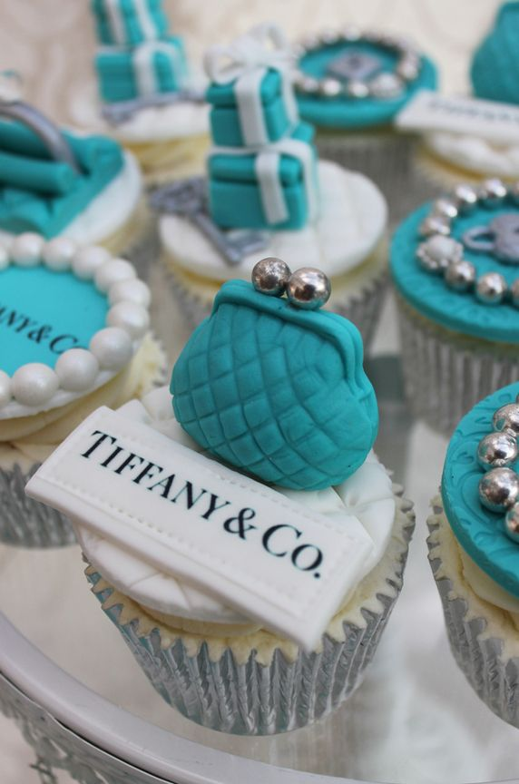 Beautiful Cake Pictures: Tiffany Blue Change Purse Cupcake: Birthday Cupcake, Cupcakes, Themed Cupcakes http://pinterest.com/treypeezy