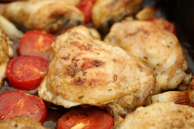 Sült csirkecomb paradicsommal, fűszerekkel - Kemény Tojás receptek képekkel