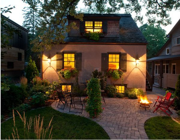patio inspiration: i love the quaint feeling of this patio...a perfect size for our house.