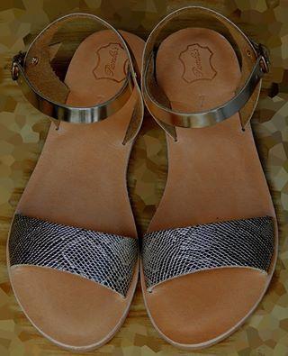 Handmade leather sandal ERATO ...... golden .....