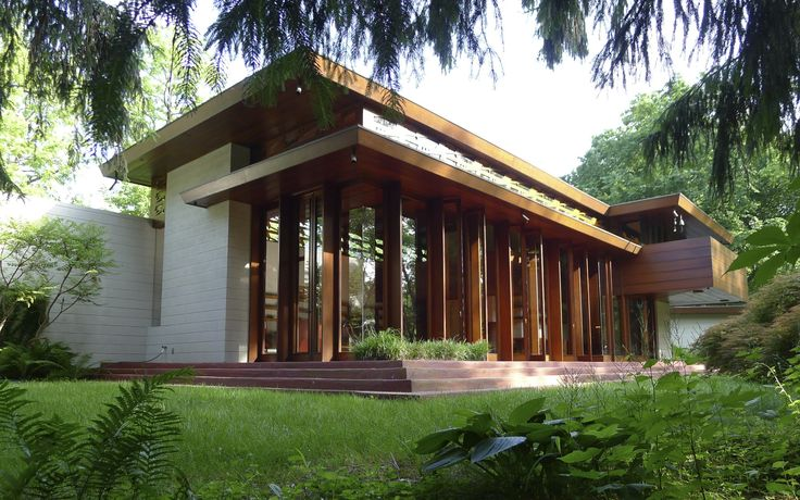 A rare house from Frank Lloyd Wright's Usonian house period has been saved by theCrystal Bridges MuseuminArkansas....
