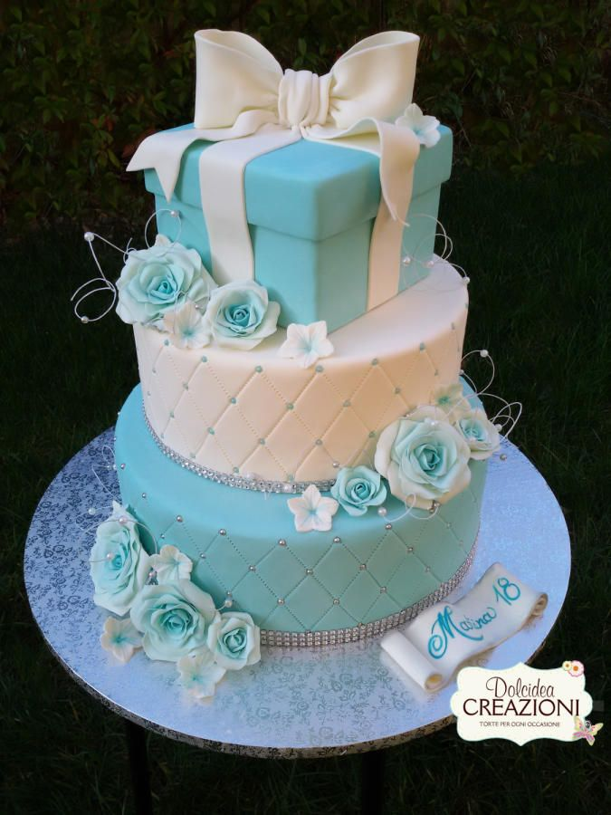 Blue Tiffany cake https://www.facebook.com/dolcideacreazioni/