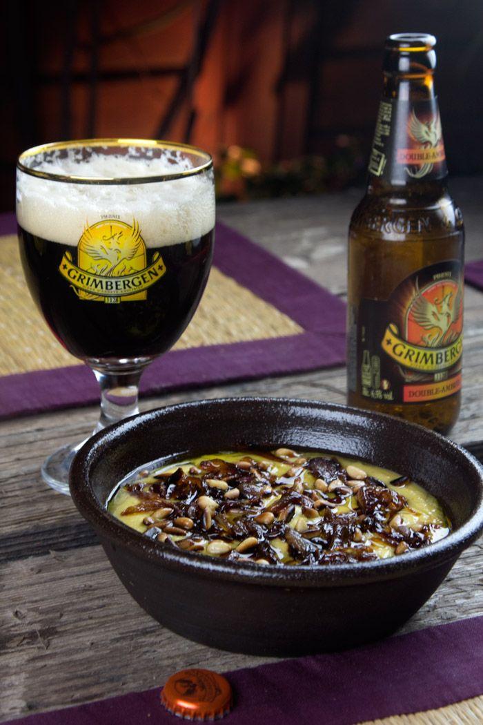 φάβα με καραμελωμένα κρεμμύδια και κουκουνάρι με μπύρα Grimbergen Double