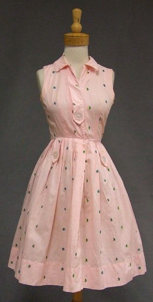 1950's day dress in pink gingham cotton with floral embroidery