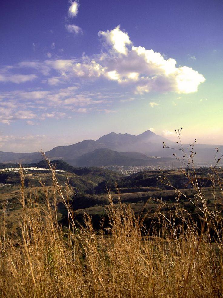 Far view of Pacaya (feb07)
