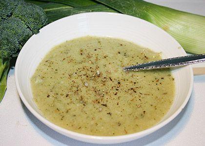 Creamy Broccoli & Cauliflower Soup (Only 60 Calories)