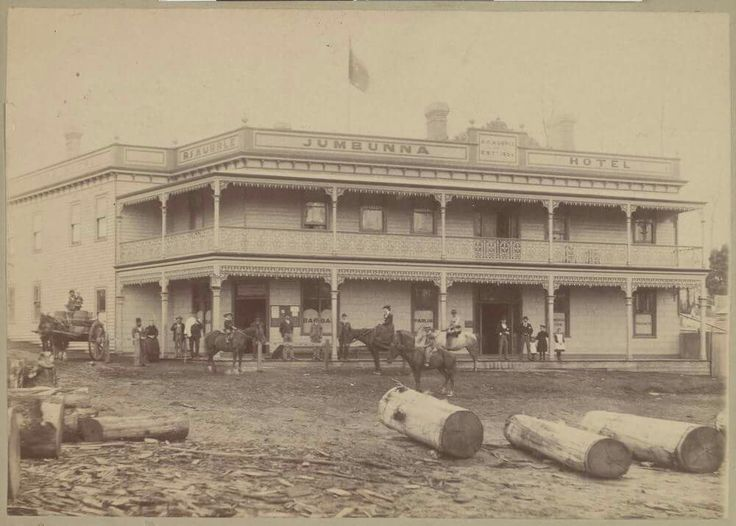 Jumbunna Hotel at the corner of Station and Lynne Streets, Jumbunna,in the South Gippsland,Victoria in 1895. 🌹