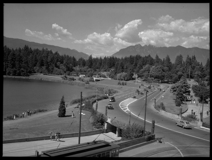 Stanley Park Causeway and Lagoon VPL Accession Number: 37179 Date: July 15, 1948 Photographer / Studio: Spalding, Fred J. http://www3.vpl.ca/spe/histphotos/