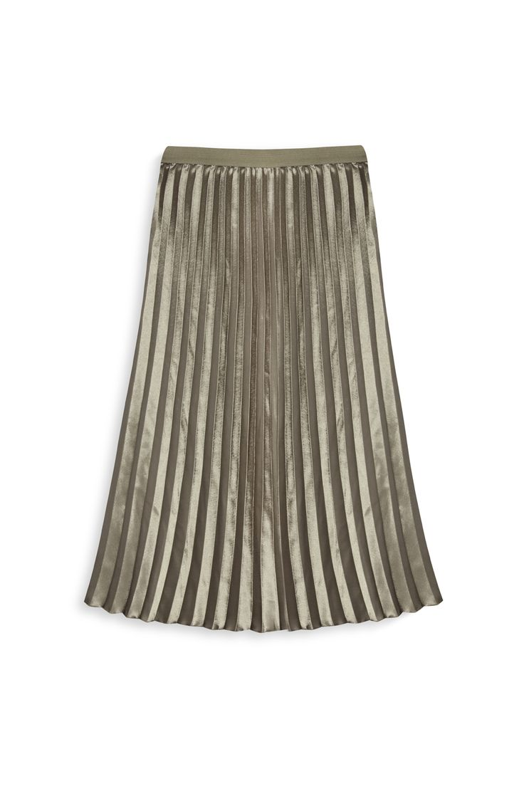 Golden pleated midi skirt. Spring/Summer Trends 2017