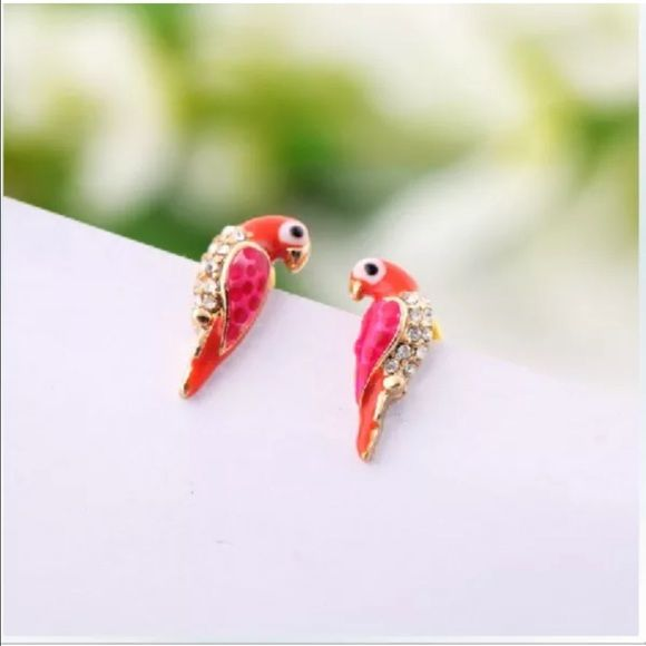 Charming bird earrings(NWT)last pair! Very cute stud earrings, colorful bird. Great for kids or adults Jewelry Earrings
