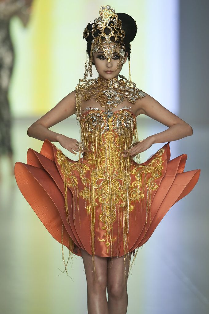 guo pei - Chinese couture, These colors are gorgeous.  The embroidery seems to drip off of her.  Fabulous.