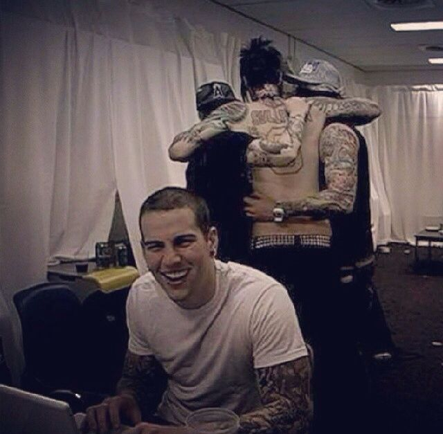Cute Avenged Sevenfold picture :)