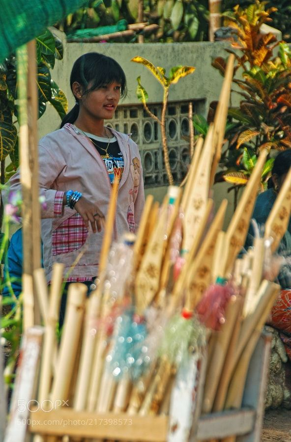 Burmese girl. by paraklet from http://500px.com/photo/217398573 - . More on dokonow.com.