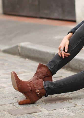 Chestnut boots-Sezane