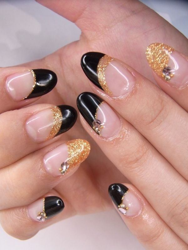 black gold round tips nail designs pinterest gold