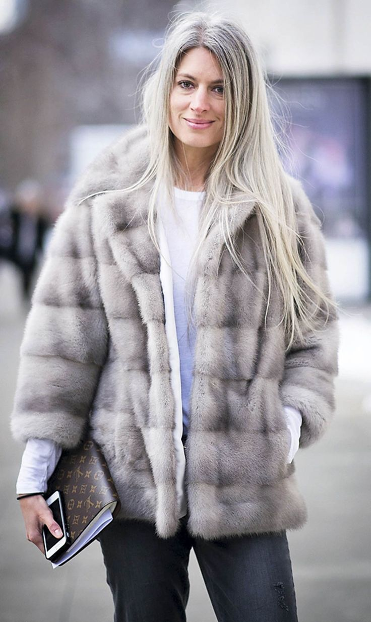 NEW YORK, NY - FEBRUARY Sarah Harris is seen wearing a jacket from Lilly e Violetta and jeans from Paige on the Streets of Manhattan on February 2014 in New York City. (Photo by Timur Emek/Getty Images) Sarah Harris, Fur Fashion, Winter Fashion, Long Gray Hair, Hair Starting, Ageless Beauty, Going Gray, Silver Hair, Sweater Weather