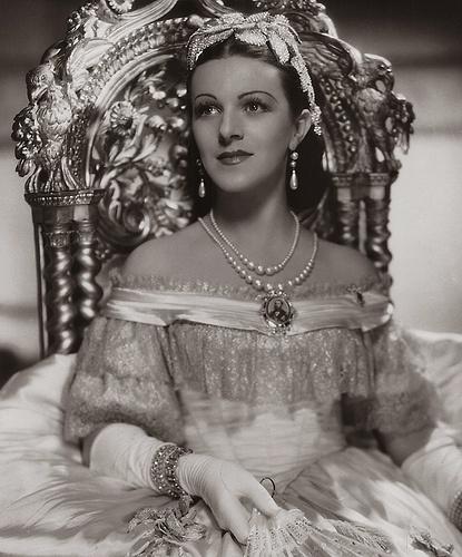 Medea de Novara, actriz austriaca que hizo la primera emperatriz Carlota del cine mexicano.