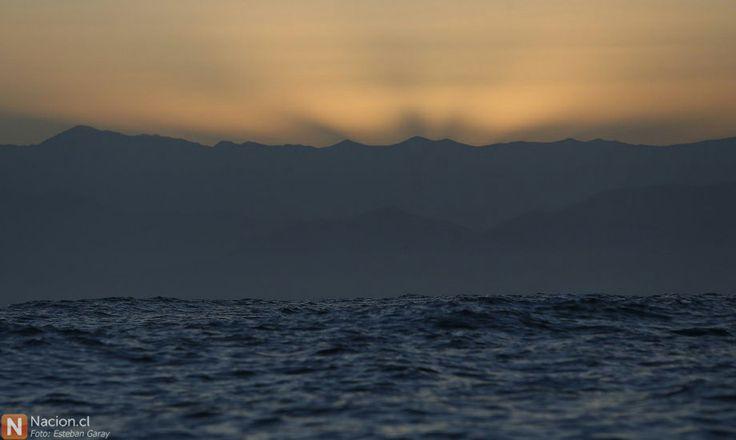 Amanecer en el mar, en Punta de Choros, Región de Coquimbo. Chile.