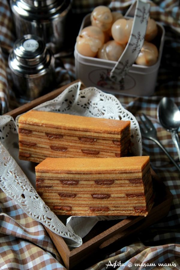 Menurut Dayang , Kek Lapis Cadbury dan Kek Lapis India adalah kek yang sama. Kek ini juga merupakan kek yang cukup popular di Bumi Keny...