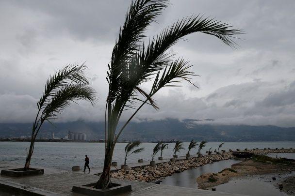 На Гаити жертвами мощного урагана стали по меньшей мере двое человек - Последние новости в мире