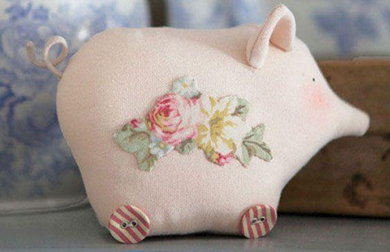Tilda pig on wheels #1