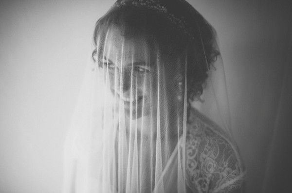 Real bride Heidi wore a Kelly Spence Cordelia headdress & soft pure silk veil for her wedding in Tuscany. Photo by Leila Scarfiotti