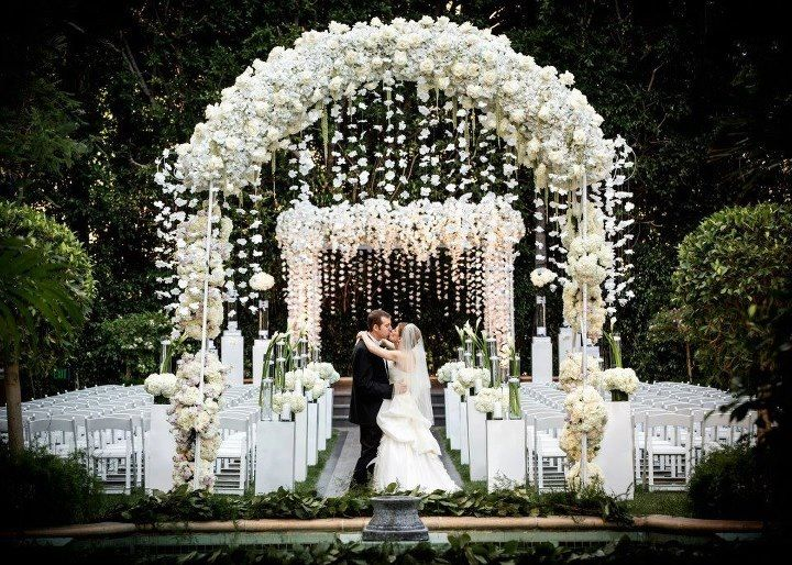 white mandap display, indian wedding