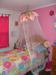 DIY  flower canopy for a little girls room