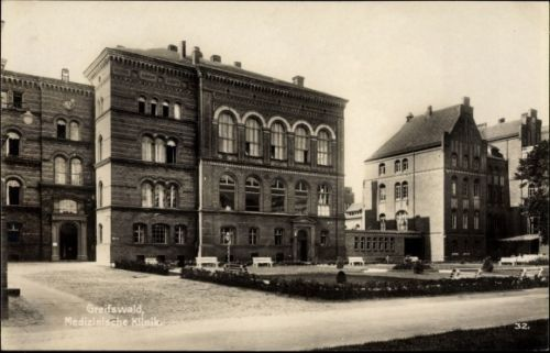 Ak-Greifswald-in-Mecklenburg-Vorpommern-Medizinische-Klinik-Vord-10007911