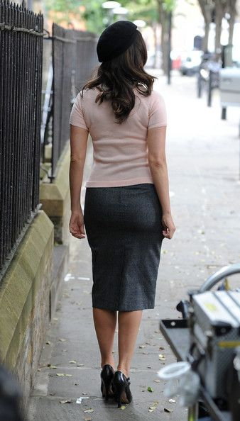 More Pics of Kelly Brook Pencil Skirt