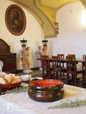 Március 11-én nagy érdeklődés mellett böjti ételek kóstolóját tartották a Szeged-Alsóvárosi Ferences Látogatóközpont szervezésében a rendház refektóriumában; az ott kóstolt ételek receptjét a ferencesek közzétették Facebook-oldalukon.