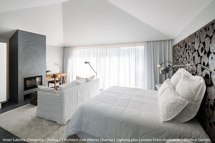 We do like this bedroom a lot. Do you ? Featuring #Tolomeo table lamps ► http://bit.ly/Tolomeo-T And also Tolomeo wall lights ► http://bit.ly/Tolomeo-W #design Michele De Lucchi & Giancarlo Fassina
