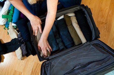 Arrume as malas como os profissionais: aprenda como a comissária leva roupa para 10 dias em uma maleta - Efetividade