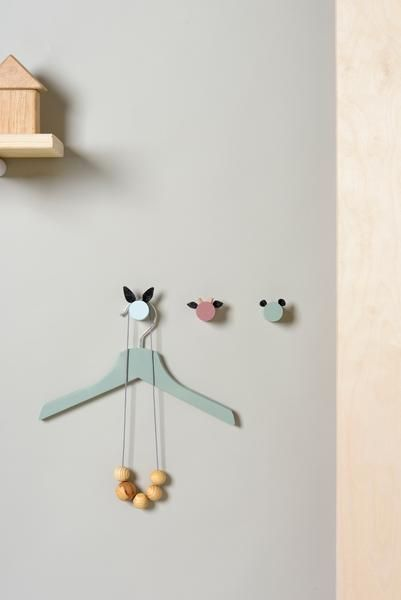 Mini Wall Hooks from wood and felt for little ones - so cute!