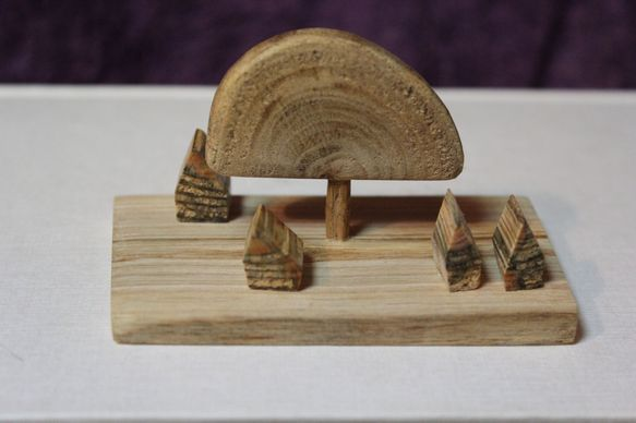 バオバブの大木が村の広場の真ん中にあります。バオバブ(木:胡桃)家(木:赤松)大地(木:エゴノキ)ワックス仕上げ ハンドメイド、手作り、手仕事品の通販・販売・購入ならCreema。
