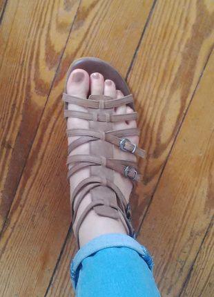 À vendre sur #vintedfrance ! http://www.vinted.fr/chaussures-femmes/nu-pieds-and-mules/23254238-sandales-romaines-marrons