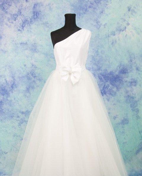 Abito da sposa taffetà di seta , PROMO , abito con tulle  ,vestito sposa monospalla con tulle , abito bianco lungo,SPEDIZIONE GRATUITA di MAQUELLA su Etsy