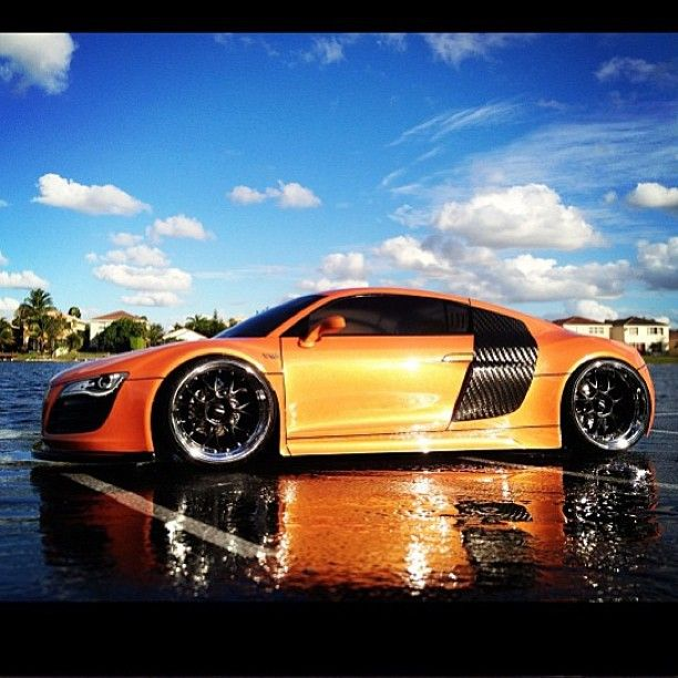 Orange burst! Audi R8 splashed in Orange juice, Sweet!