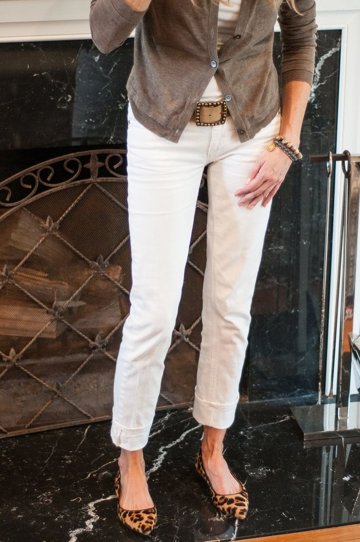 What To Wear: White Jeans and Animal-Print Flats