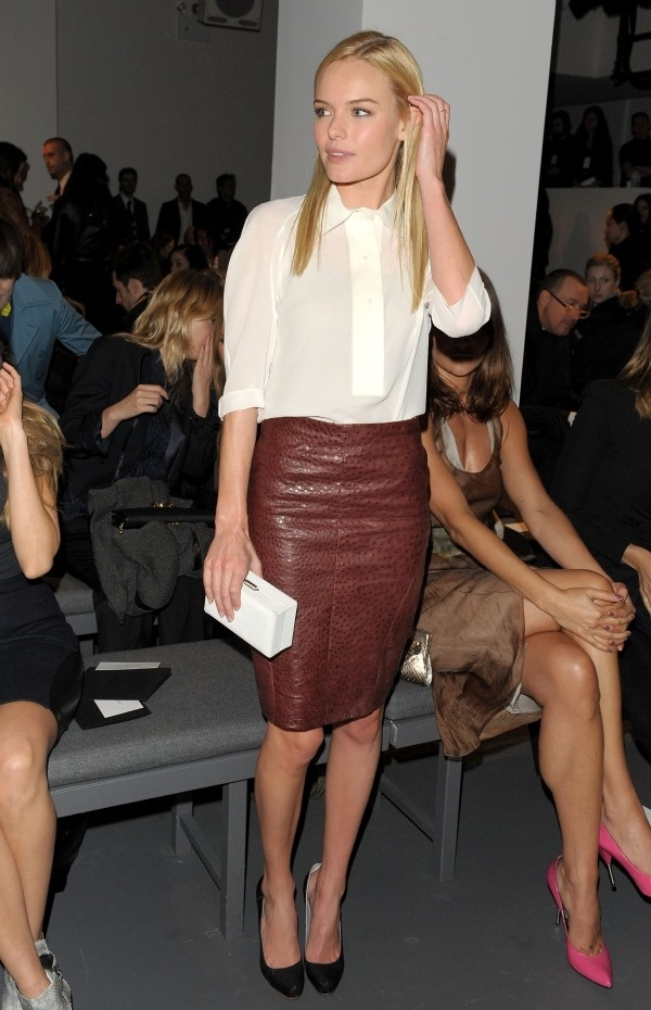 How can I wear a leather skirt for work? | Tan leather, Tan ...