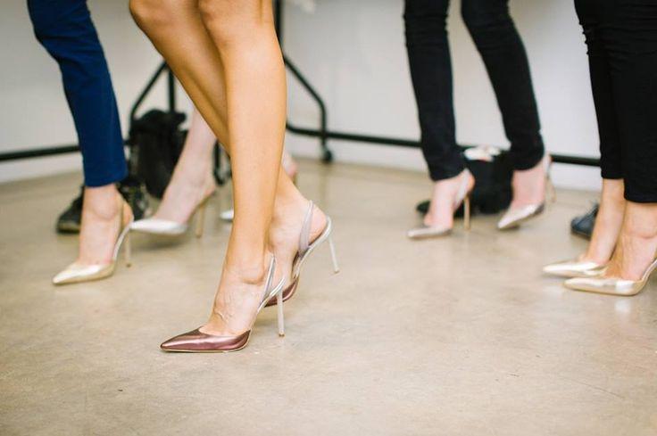 """HYPOXI-Einkaufstipp: """"Je höher der Absatz, desto weniger geben Sie aus!""""  Frauen, die beim Shoppen High Heels tragen, entscheiden sich häufiger für günstigere Produkte. Das körperliche Gleichgewicht zu halten, sorgt demnach auch für eine ausgewogene Balance im Portemonnaie. Also, zum nächsten Schaufensterbummel nicht die bequemen, coolen Sneakers anziehen und bares Geld sparen! (Quelle: Brigham Youth University, USA)  Sie möchten diesen Sommer auch mehr Beinfreiheit zeigen? HYPOXI hat…"""