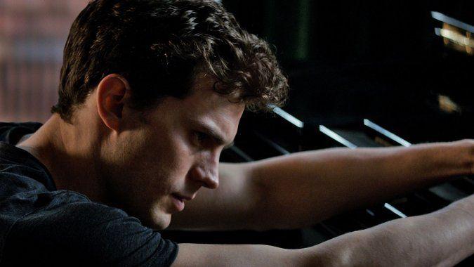 Box Office: 'Fifty Shades' Crosses $400M Globally Despite Massive Drop in U.S.
