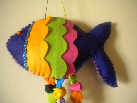 peixe feito de feltro em casa